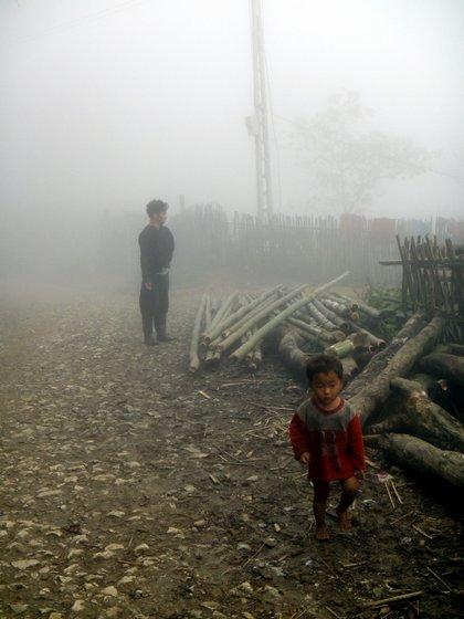 De nouveau un épais brouillard...