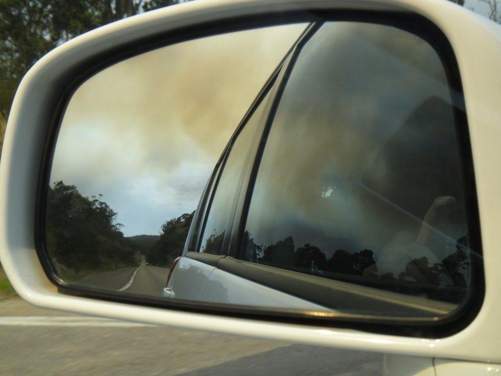 Important feu de forêt dans le rétro