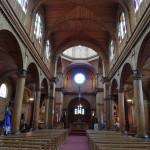 Intérieur de l'église colorée de Castro